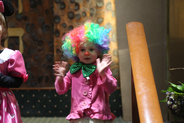 http://www.tbsfl.org/images/Purim2015/Clown.jpg