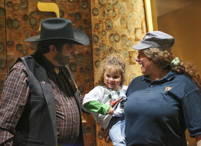http://www.tbsfl.org/images/Purim2015/Rabbi,ElyseKrebs&Abby.jpg