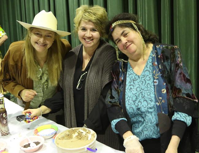 http://www.tbsfl.org/images/Purim2016/Graciela,Vicki,Holli.jpg
